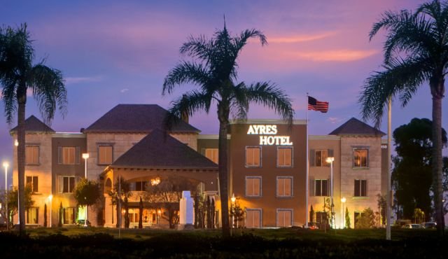 Front exterior of Ayres Hotel Seal Beach
