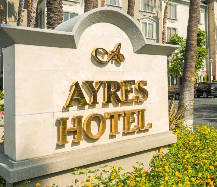Ayres Hotel Anaheim Exterior Sign