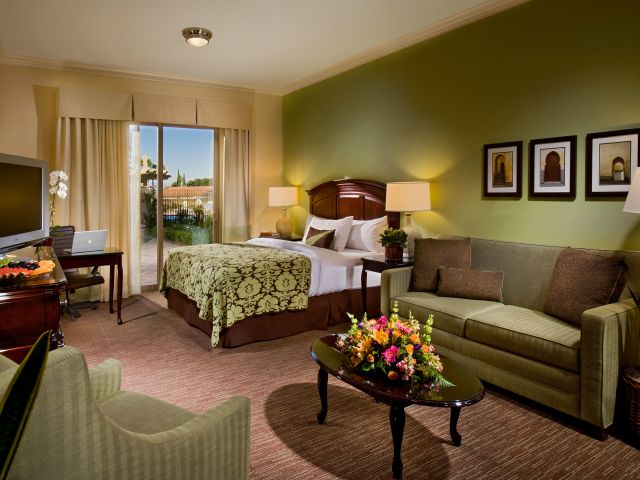 Ayres Hotel Chino Hills King Guestroom with Chair