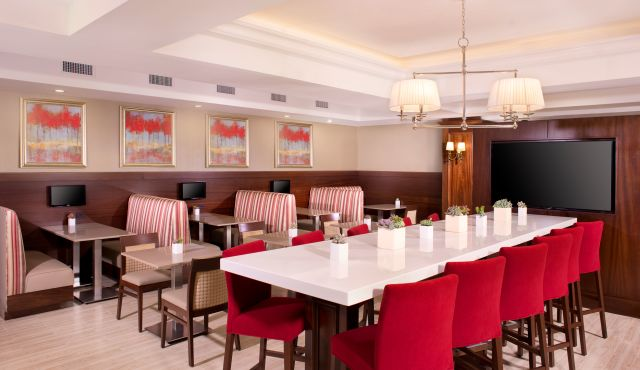 Ayres Hotel Fountain Valley Restaurant Breakfast Room