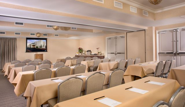 Ayres Hotel Fountain Valley Meeting Room Classroom