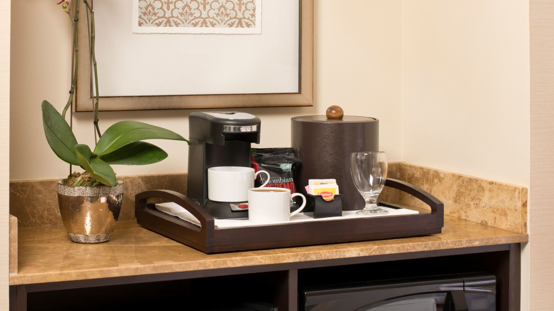 Ayres Hotel Fountain Valley Guest Room Amenities