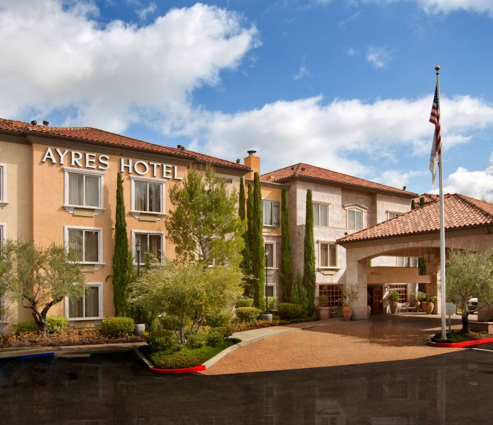 Ayres Hotel Laguna Woods Exterior Front Entrance