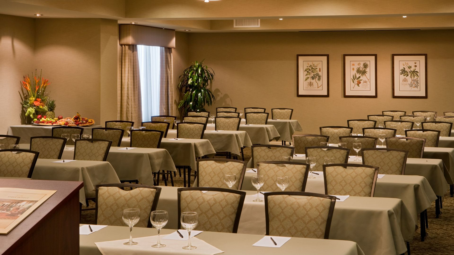 Ayres Hotel & Spa Mission Viejo Meeting ROom Classroom