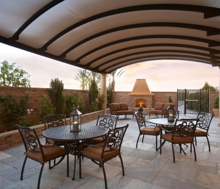 Ayres Hotel & Spa Moreno Valley Exterior Courtyard Seating Area