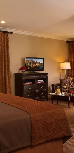 Ayres Hotel & Spa Moreno Valley King Guestroom