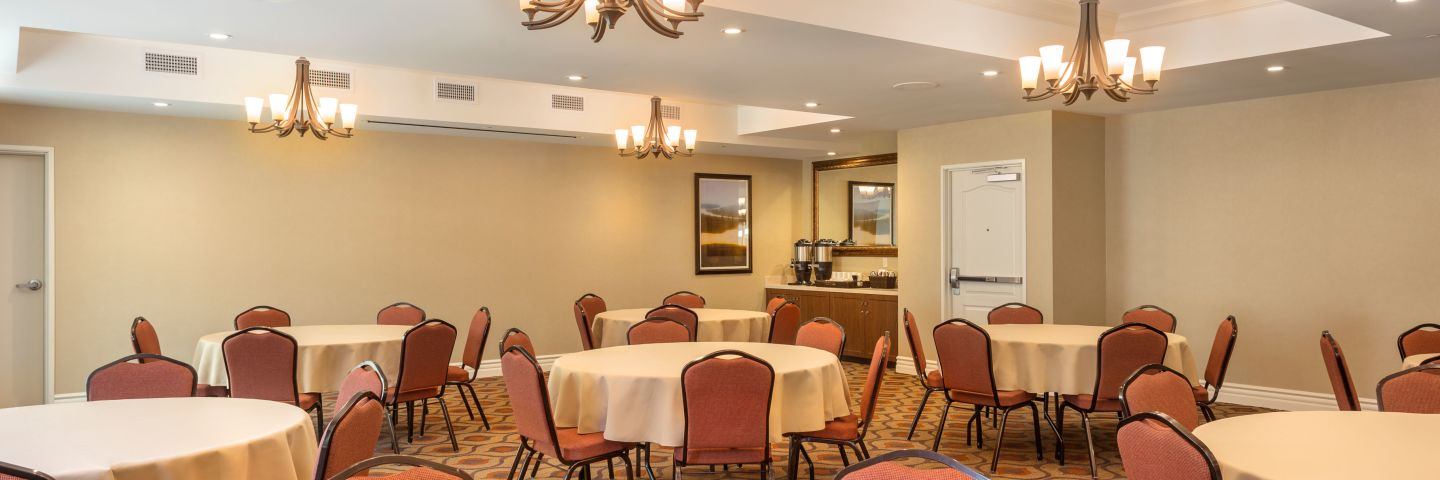 Ayres Hotel Orange Meeting Room Banquet Rounds