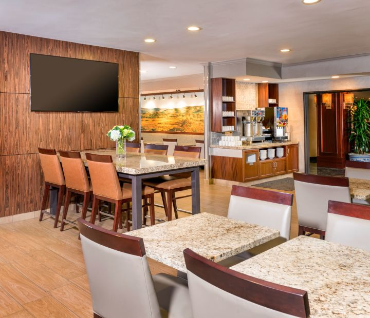 Ayres Suites Yorba Linda Breakfast Room